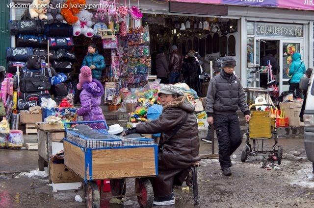 В Новосибирске осудят мигрантов за продажу поддельной одежды на 70 млн   В Новосибирске шестерых мигрантов... Новосибирск
