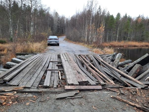На 163-м километре установлены временные знаки, предупреждающие о дорожных работах. На автодороге «Суоярви –