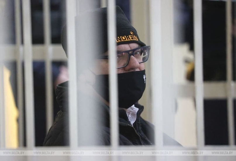 В суд над Бабарико пустили не всех, технику забрали. ГосСМИ сняли, как привезли обвиняемых
