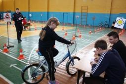 Областной конкурс юных инспекторов движения стартовал в областном центре