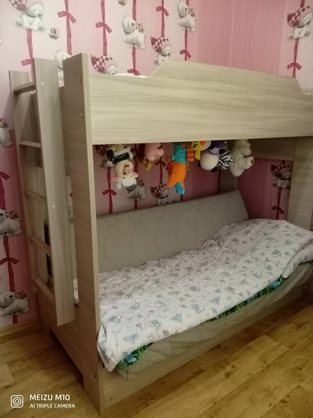 Продам двухъярусную кровать (торг). Саморазбор и с...