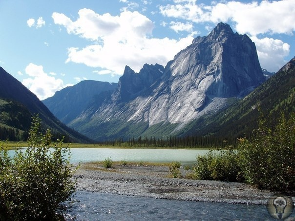 Тайна канадской Долины Безголовых. Есть на Земле места, где по непонятным причинам исчезают люди. Одно из них Долина безголовых в Канаде, которая по своей дурной славе вполне может соперничать с