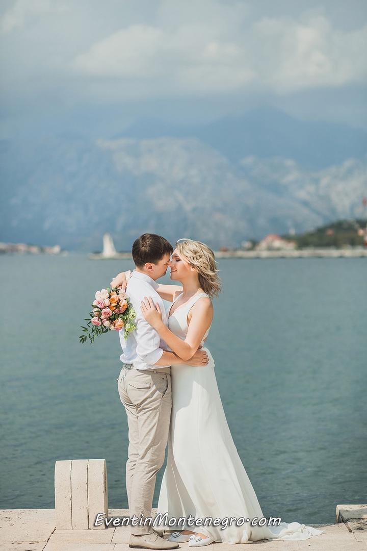 Чувства на высоте. Свадьба в Черногории, изображение №4