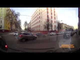 Видеорегистратор. ДТП Хендэ и Ауди на Спасской. Место происшествия