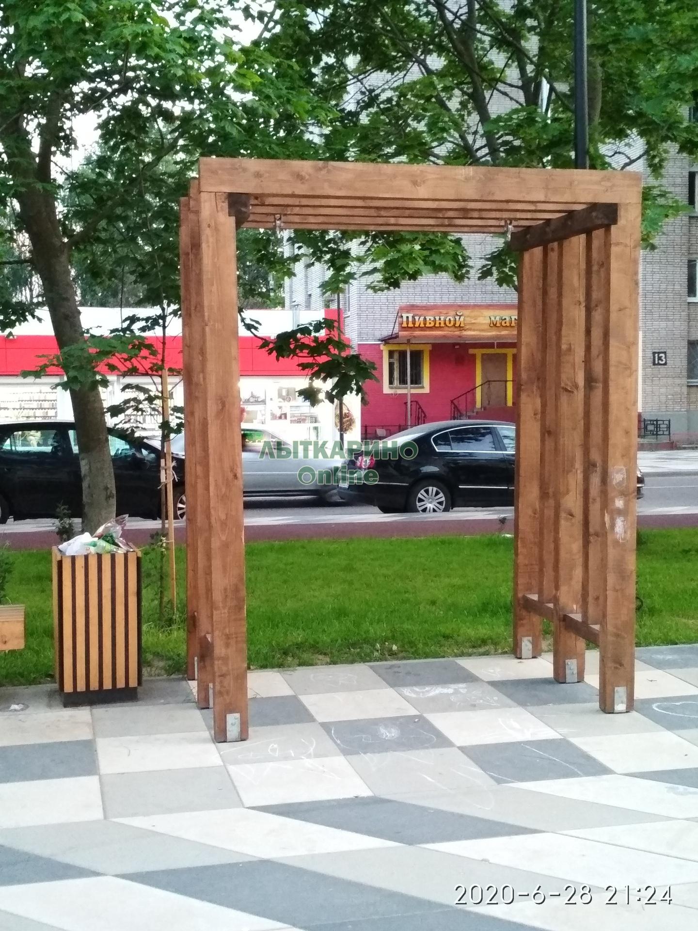Когда будет проведено озеленение клумб и ремонт качелей на ул.