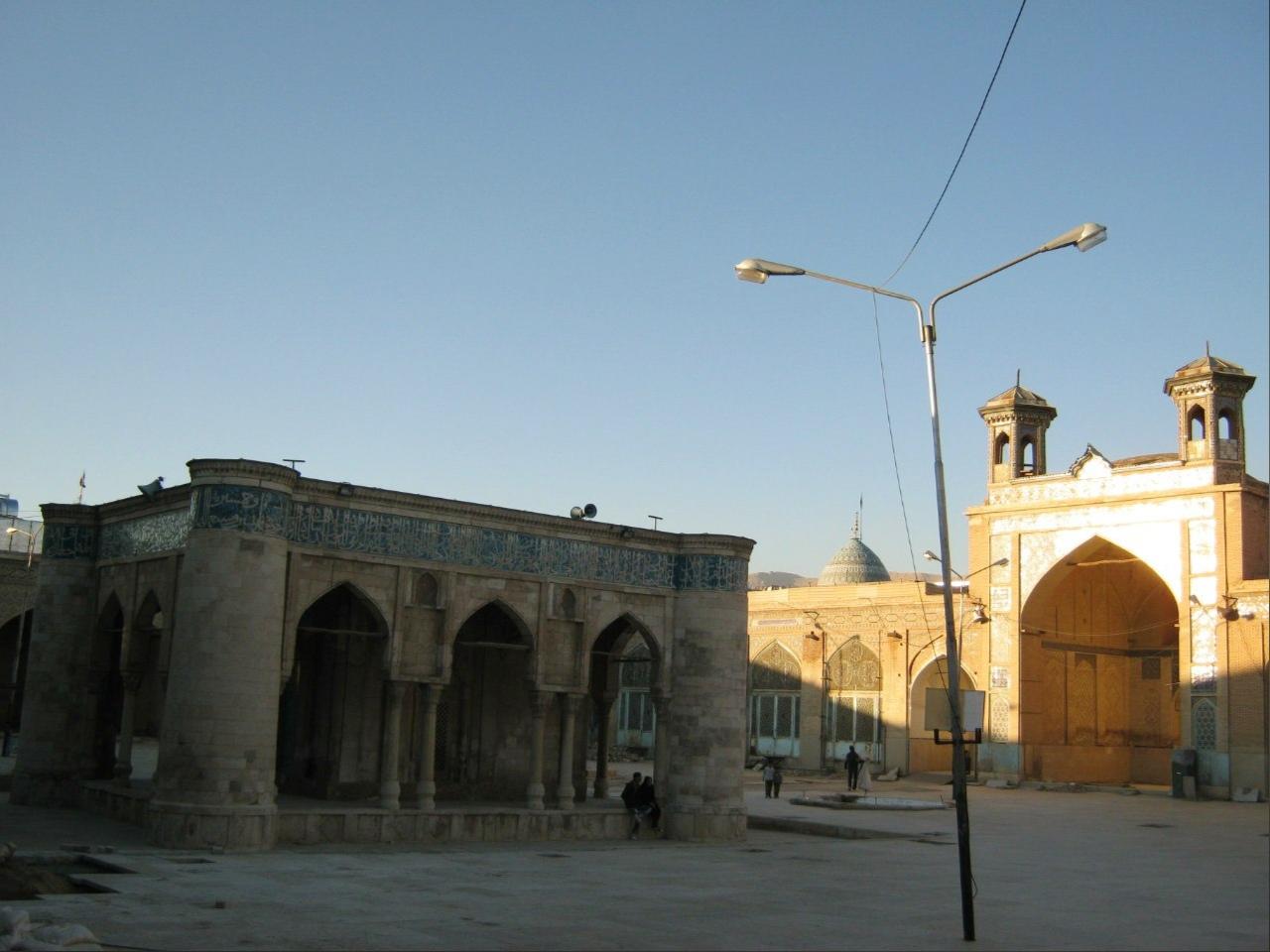 двор старинной мечети в Ширазе