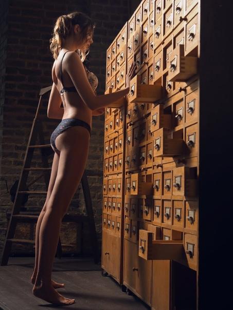 Inside Mozo's Nude Body Shoot