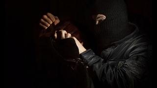 Жители Лебяжьего смогли отбить женщин от карателей в масках