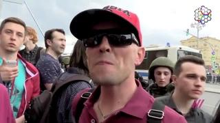 «Я не оппозиция!»: сторонника Путина задержали, пока он восхвалял президента