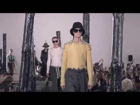 LOEWE Fall Winter 2020 Menswear Show