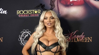 Lindsey Pelas 2018 Kandy Halloween Party Red Carpet