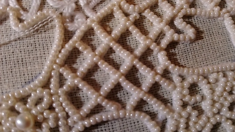 Сажение по бели Как вышить сеточку Вышиваю одежду Богомладенца