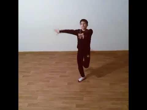 Мальчик Классно танцует Лезгинку