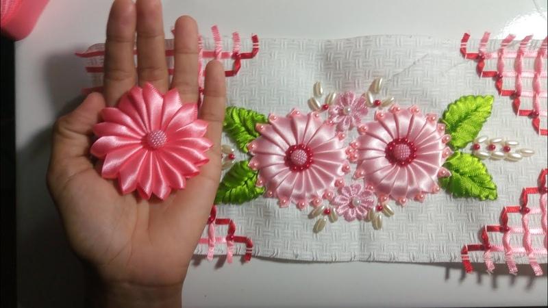 Flor de cetim para aplicação em toalhas modelo 100